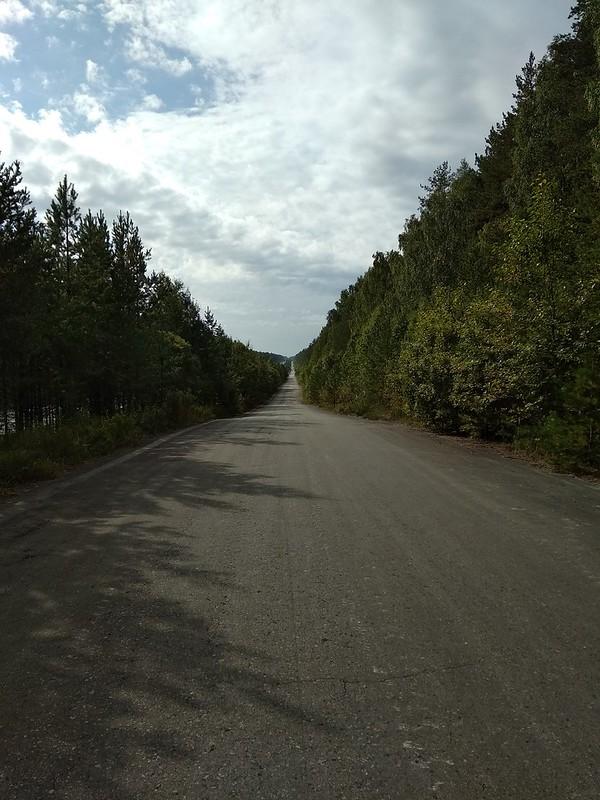Мечта велосипедиста - прямая, ровная дорога, и с горочки