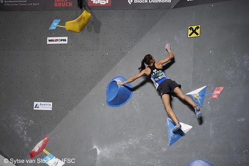 ifscwch-innsbruck-boulderfinals-women-friday-028-D4S_2165
