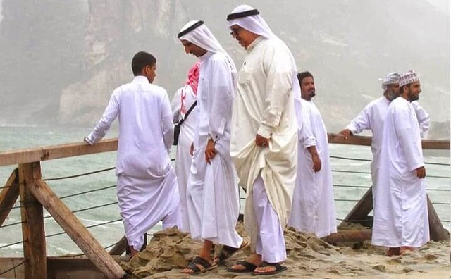 2545 9 Problems Faced by those who wear Thobes