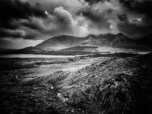 gbillon celtics celtique celtes landscape cameraphone iphoneography iphoneografy iphone blackwhite noiretblanc bw eire irlande irish galway fionnasclain
