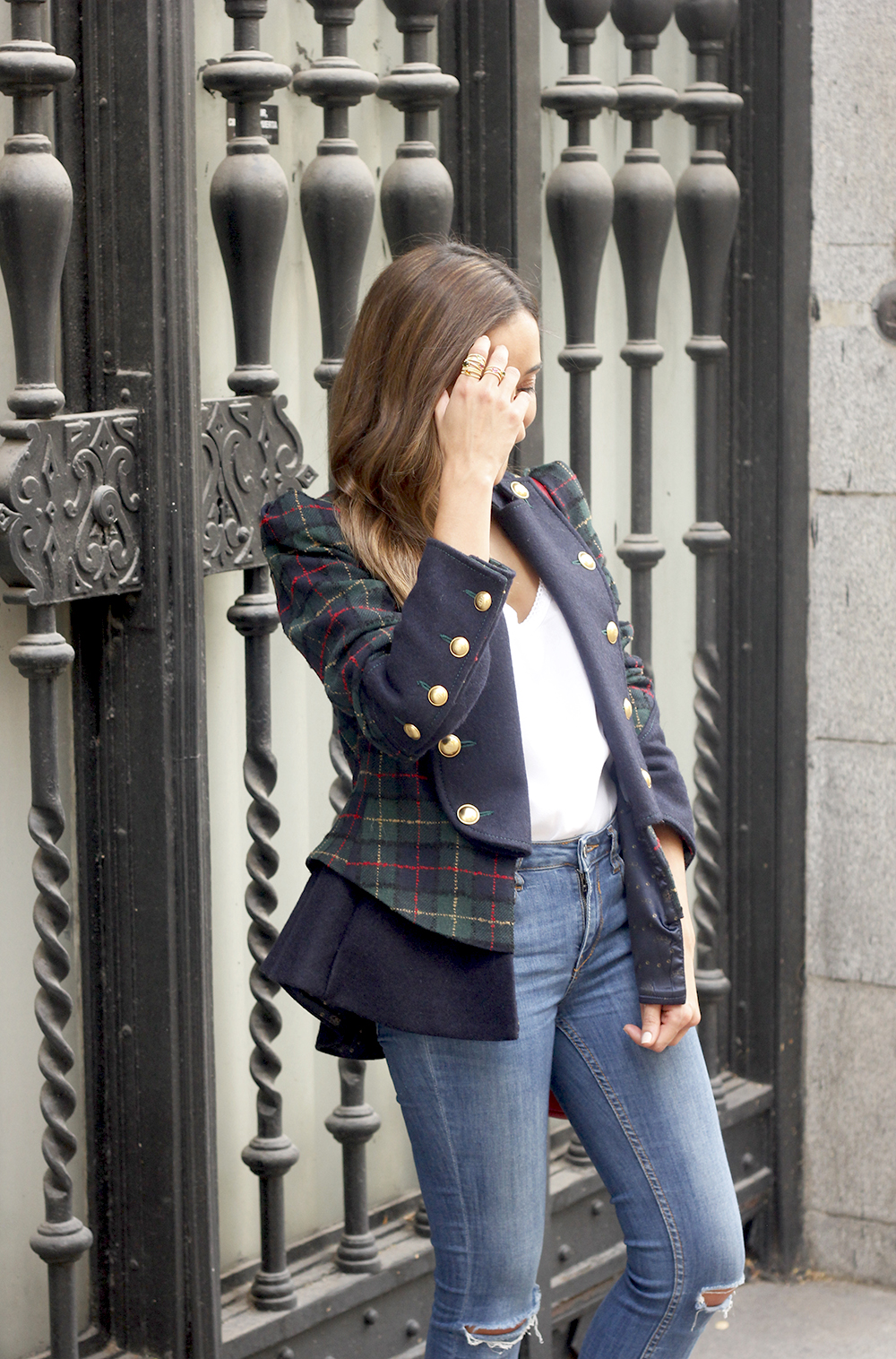 CHECKED BLAZER highly preppy gucci bag ripped jeans street style 2018 outfit07