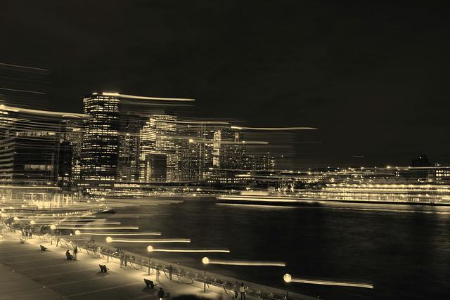 Monochrome at night, Fujifilm X-H1, XF18-135mmF3.5-5.6R LM OIS WR