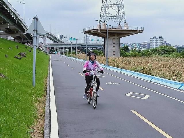 延平北路五段,關渡騎自行車 (23)