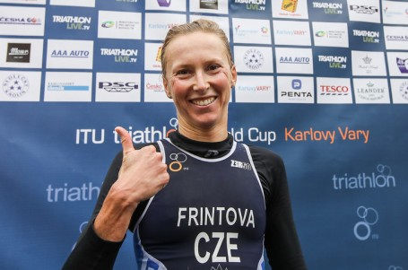 Frintová skvělým finišem vybojovala ve Varech zlato, Linduška pátý