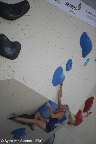 ifscwch-innsbruck-boulder-quali-f-013-D4S_5578