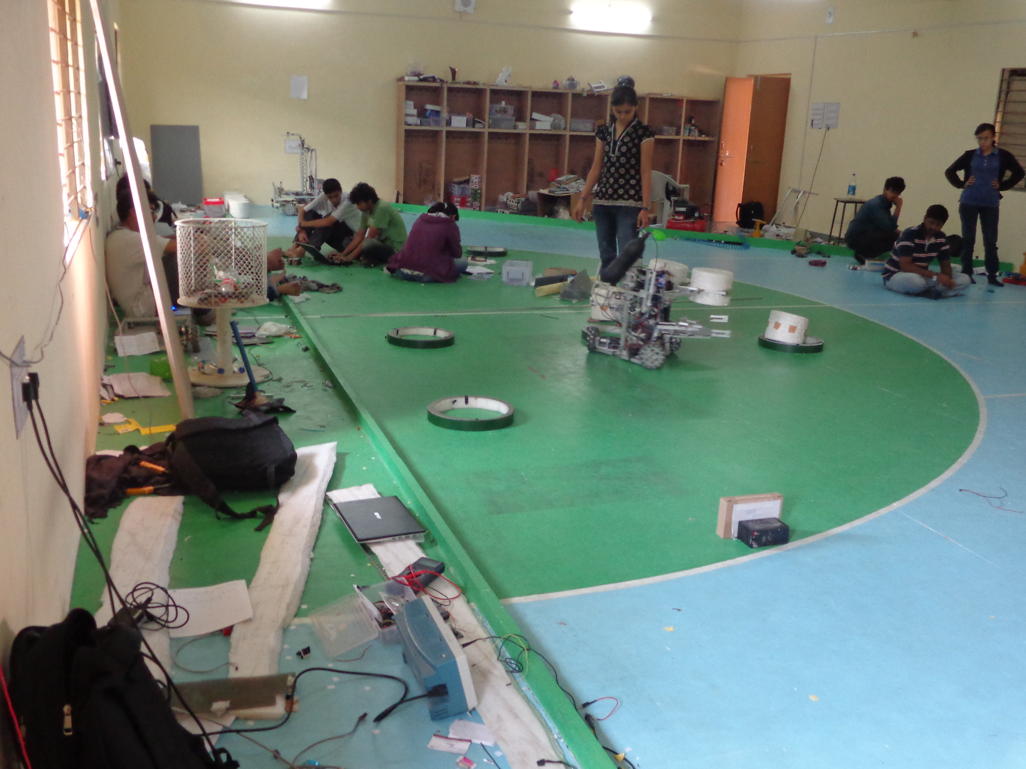 Robocon 2013 MIT Tech Team Pune: Lab setup and tools