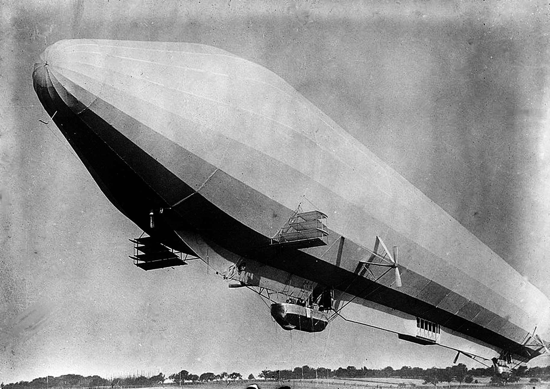 LZ 7 Deutschland zeppelin, circa 1910.