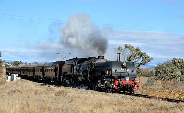 6029 and tour train, Nikon D700, AF Zoom-Nikkor 24-85mm f/2.8-4D IF