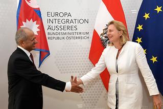 Außenministerin Karin Kneissl empfängt ihren nepalesischen Amtskollegen