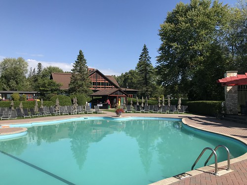 Poolside at Chateau Montebello