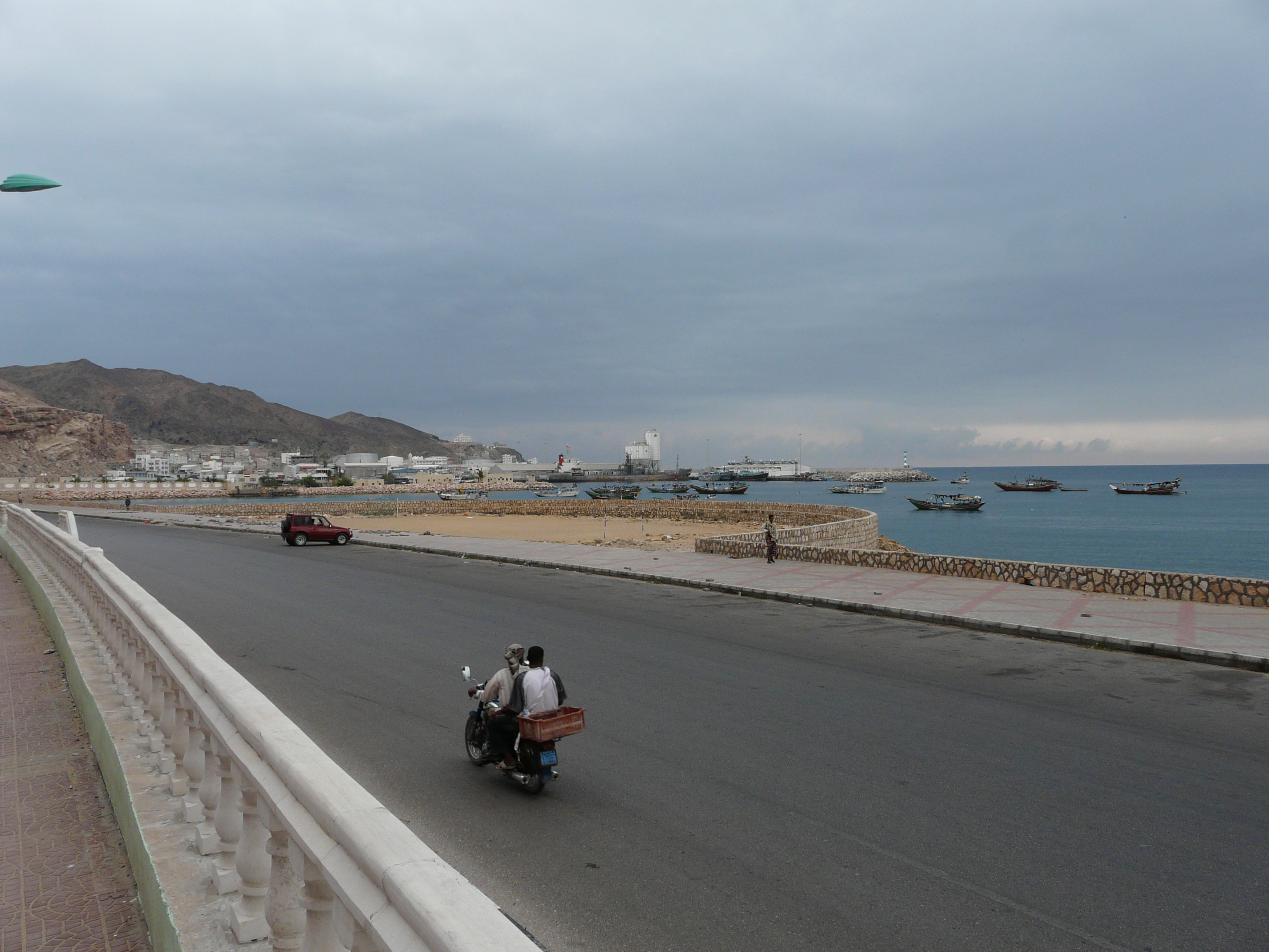 Mukalla port (Yemen). View from the route between port and town, which named Khalf Street. Cement carrier