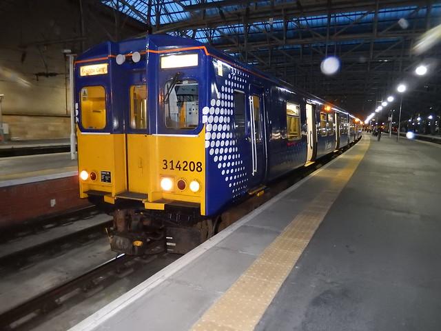 314208 Glasgow Cent 21-3-15, Nikon COOLPIX S9600
