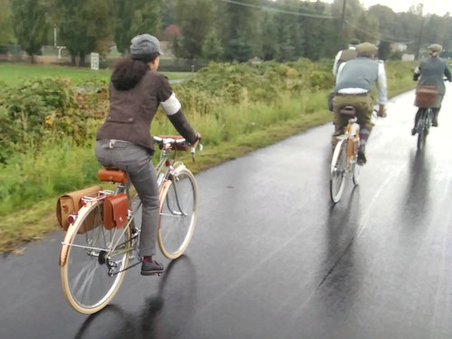 Scenes from the Snohomish Tweed Ride today. #snohomishtweedride #tweedride #tweedrun