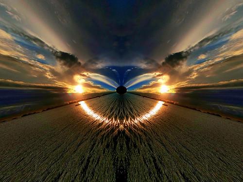 light ocean sea sunset boat boats water sky colours colors blue gold white cloud clouds view fineart fine art waterscape seascape vortex scifi sciencefiction philippines pilipinas filipijnen zonsondergang hundredislands island islands