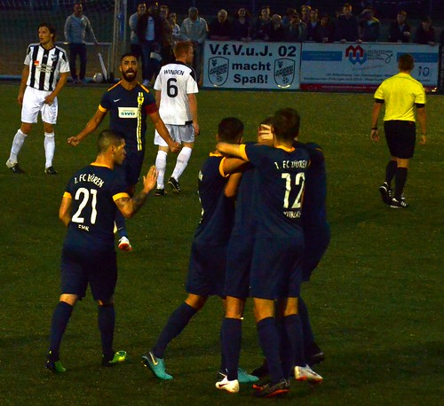 Verein für Volks- und Jugendspiele 1902 Winden 0:3 1. FC Düren