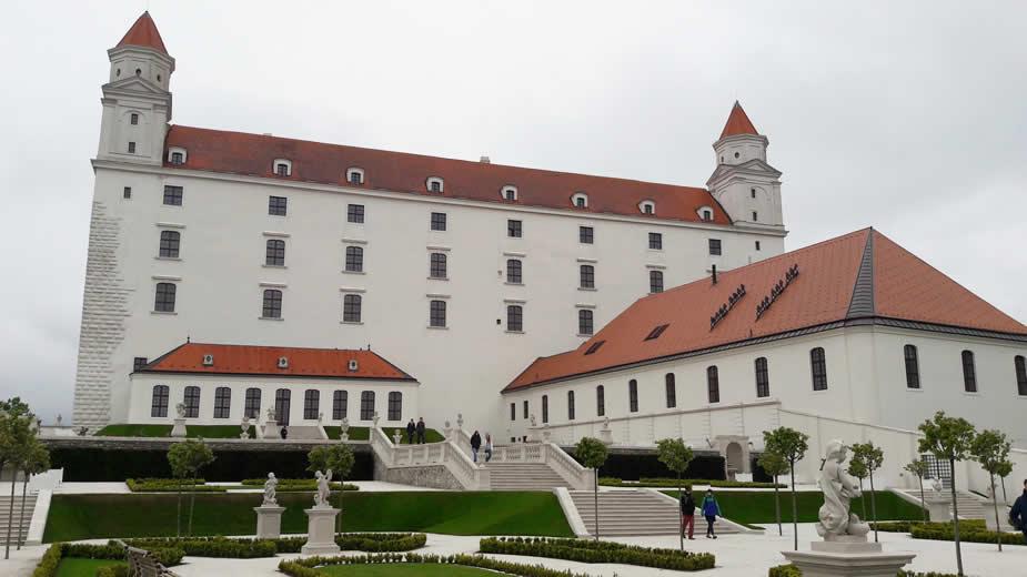 Architectuur in Bratislava: Burcht van Bratislava | Mooistestedentrips.nl