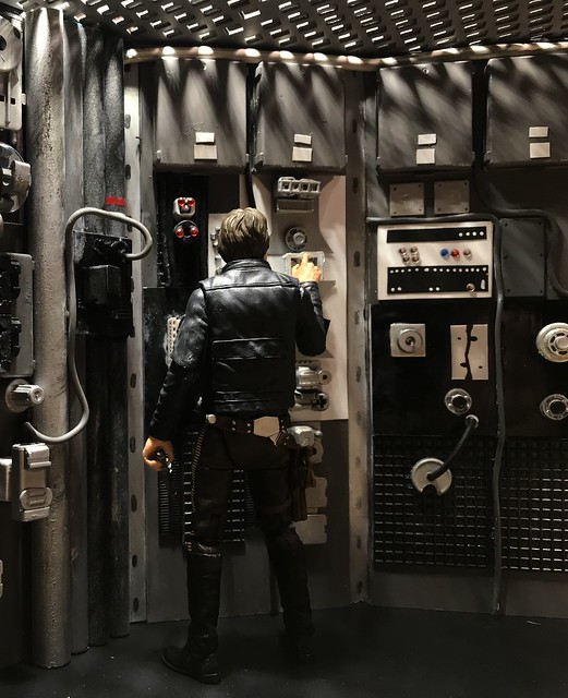 I finished up this diorama of the room on the Falcon where Han and Leia first kiss.