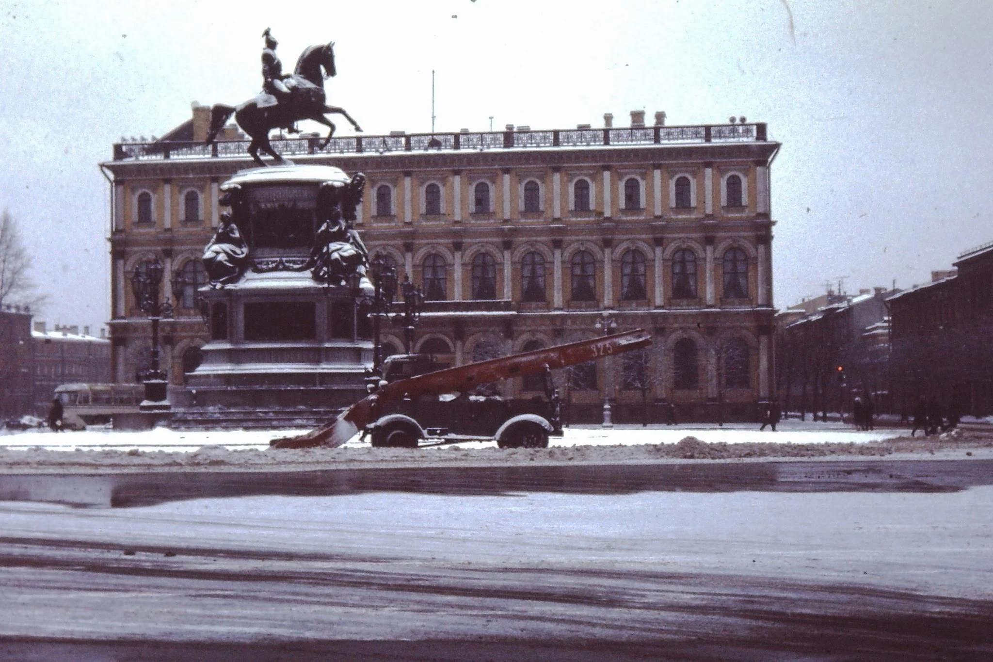 Конная статуя царя Николая I