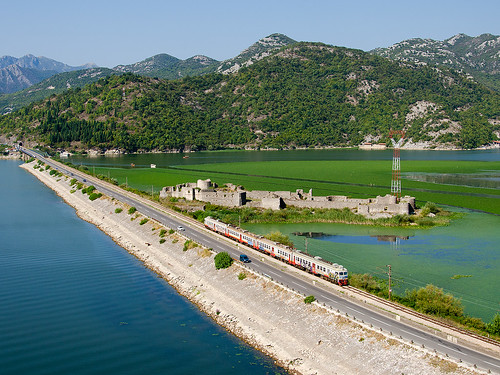 railway železnice train vlak bahn zug jednotka elektrická střídavá černáhora montenegro crnagora me řada412 vranjina žpcg željezničkiprevozcrnegore skadarskojezero lesendro 6101