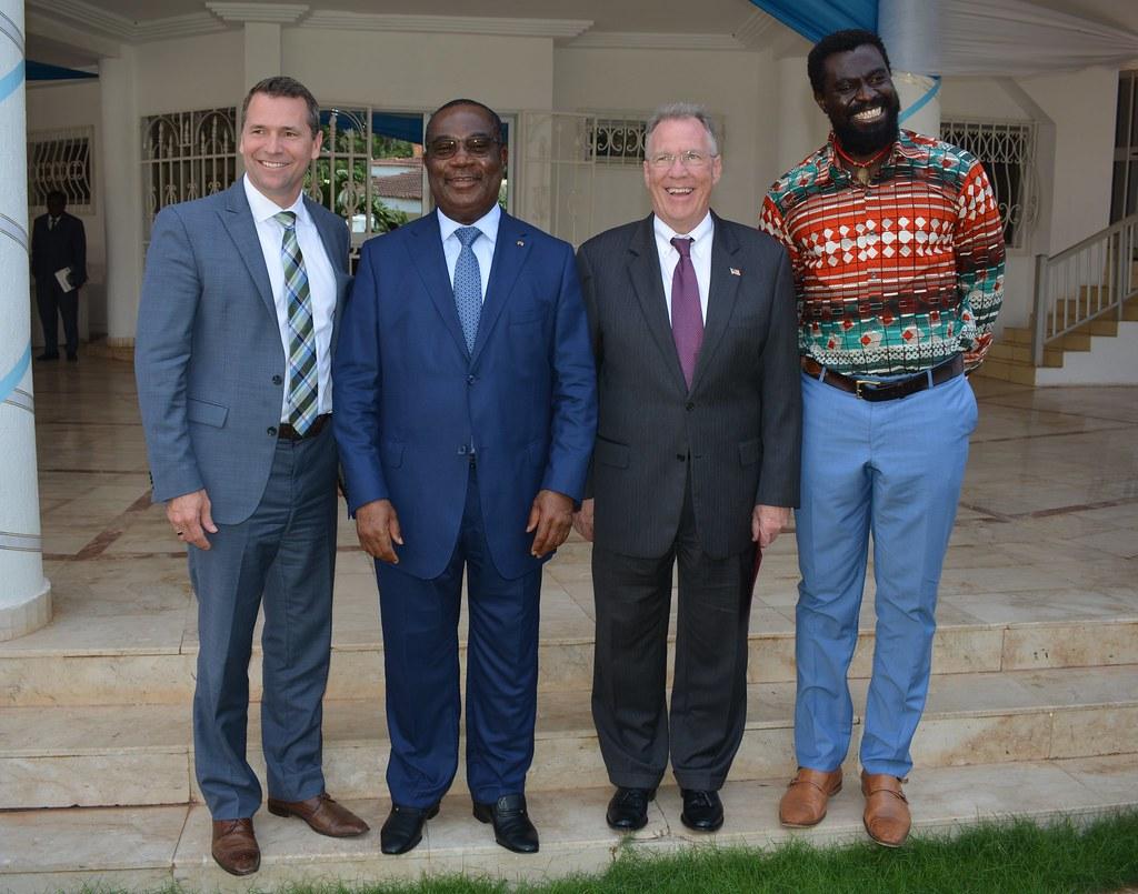 PM et la délégation de l'ONG Alafia