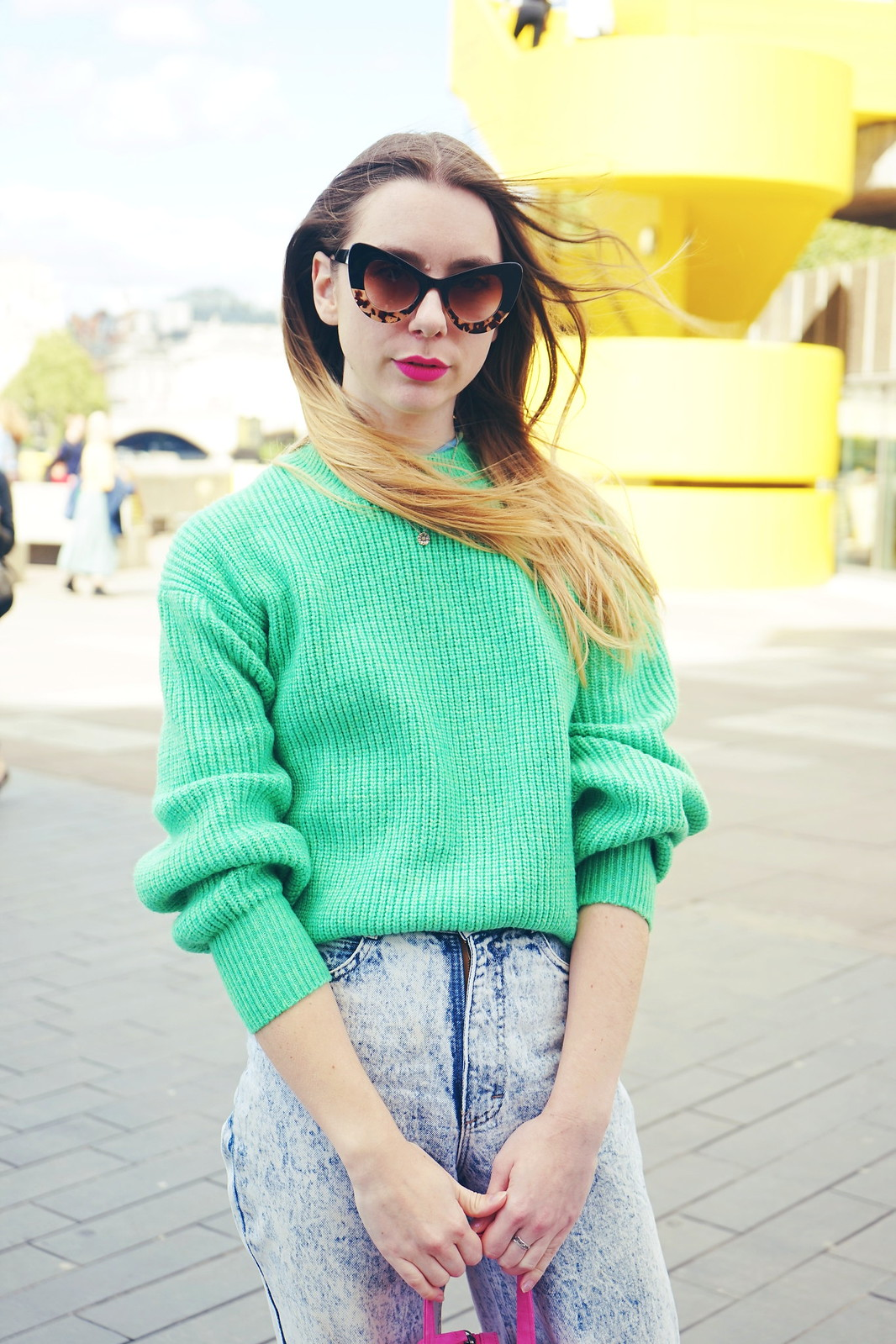 Bright knit, converse, pink and green