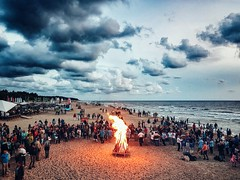 Baltic way Fire #Lithuania #sea #balticsea #seaside #waves #sky #clouds #fire #people #evening #goldenhour #memories #mobilephotography #mobilephoto #outdoor #photography #s7edge