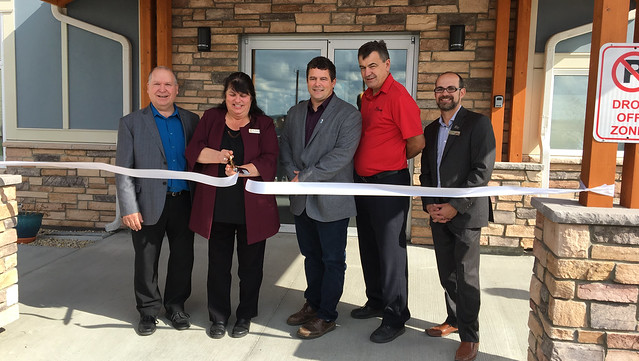Valley View Manor officially opens