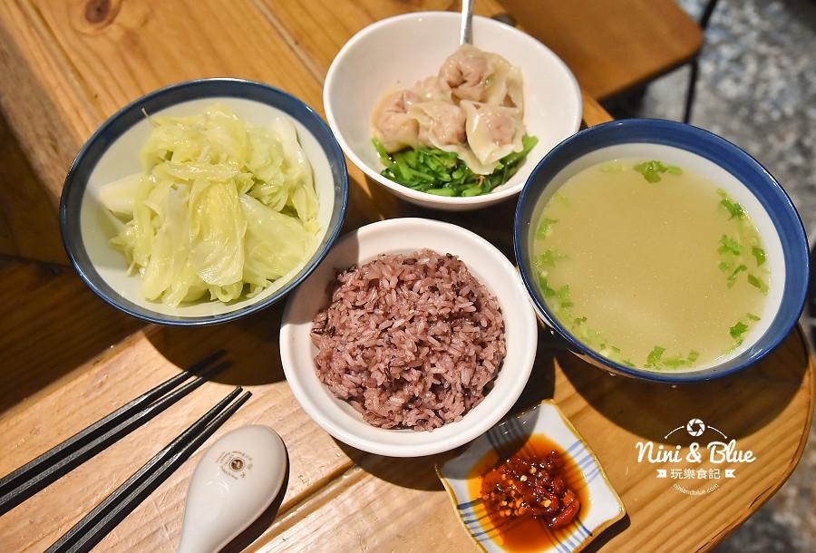東沐食在 台中科博館 植物園 美食07