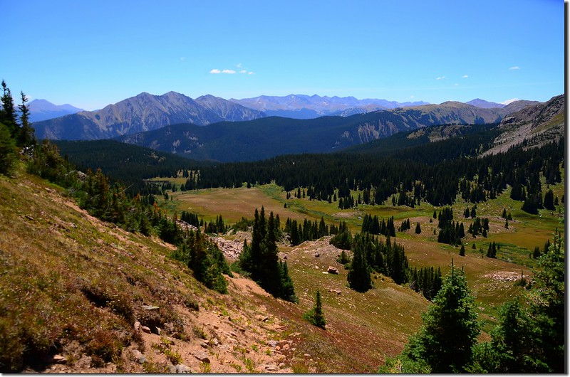 Looking south at Tenmile Range from the trail (2)