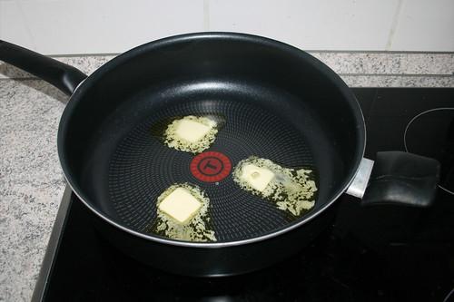 15 - Butter in Pfanne erhitzen / Heat butter in pan