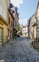Bas de la rue François Gentil