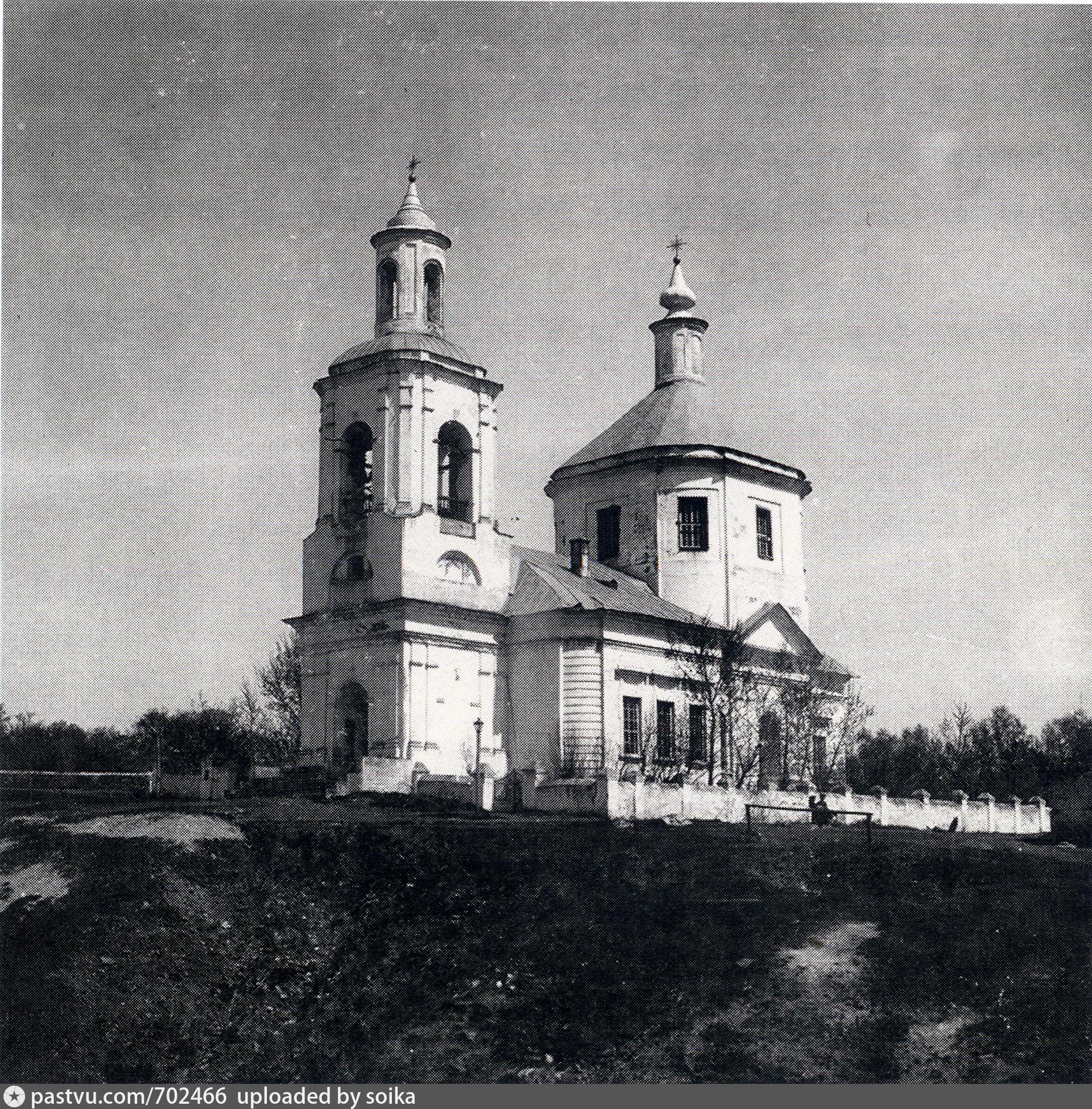 Окрестности Данкова. Село Спешнево-Ивановское Знаменская церковь.