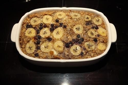 Gebackener Haferbrei mit Bananen und Heidelbeeren (frisch aus dem Ofen)