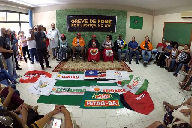Em 20º dia de greve de fome, manifestantes recebem delegação da Contag