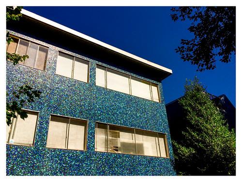 house of blue tile