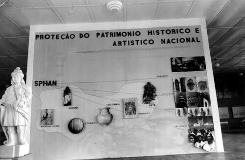 Painel sobre as atividades do SPHAN na Exposição Nacional do Estado Novo