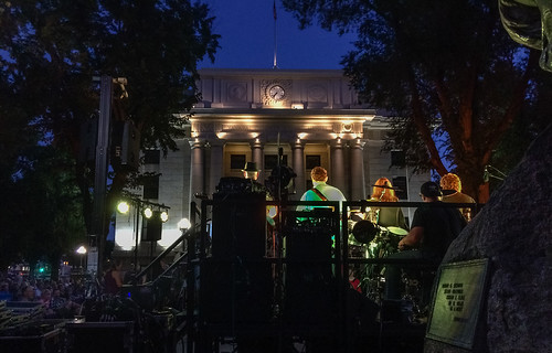 5_in_the_wheel_courthouse_concert-20180817-100