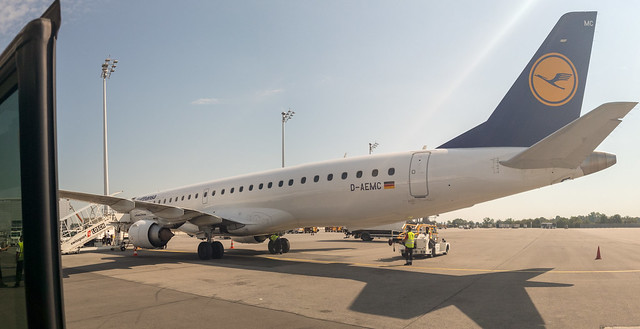 Lufthansa CityLine D-AEMC - Embraer RJ-195
