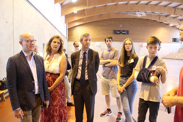 Visite au collège Camille-Claudel à Latresne
