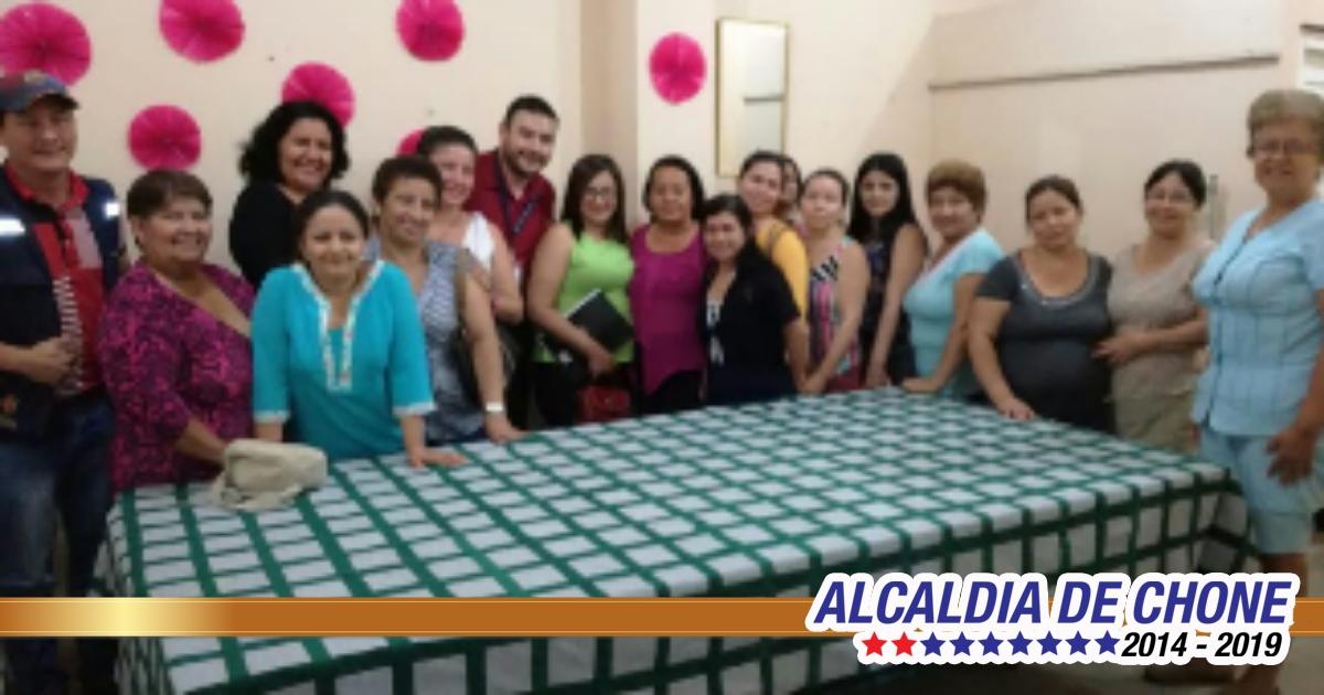 Gobierno de Chone fortalece destrezas de damas de Asotex Canuto