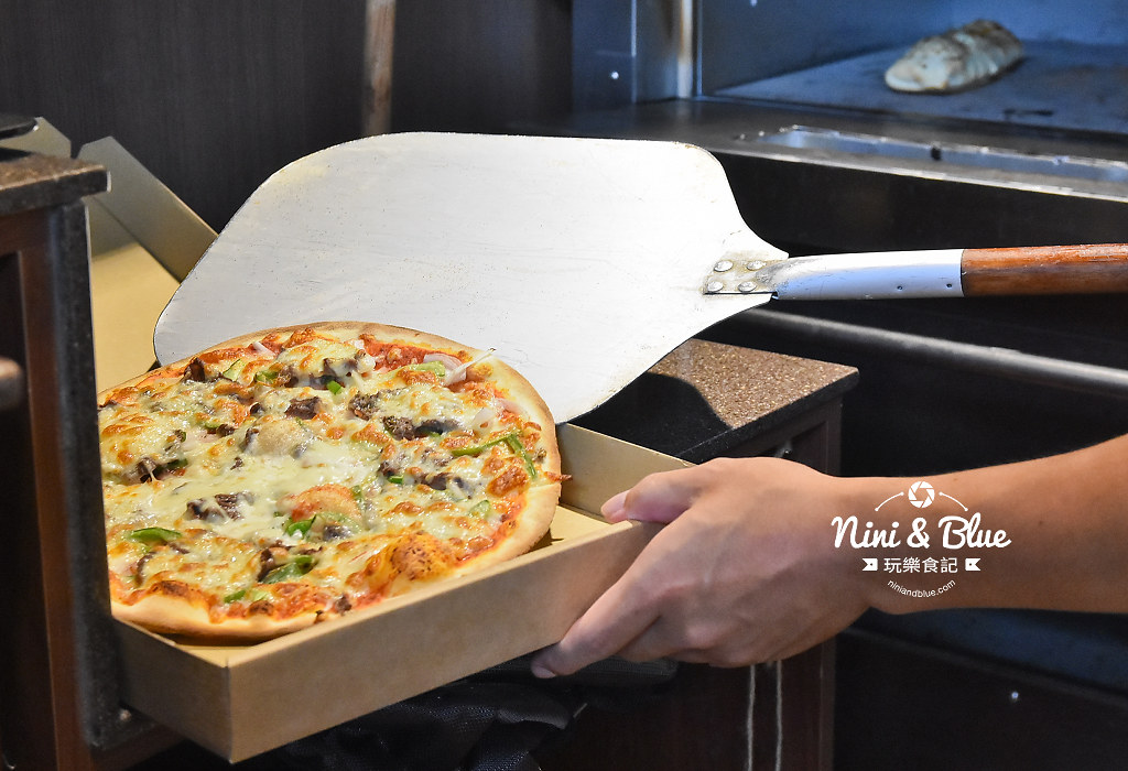 一中街美食 pizza running10