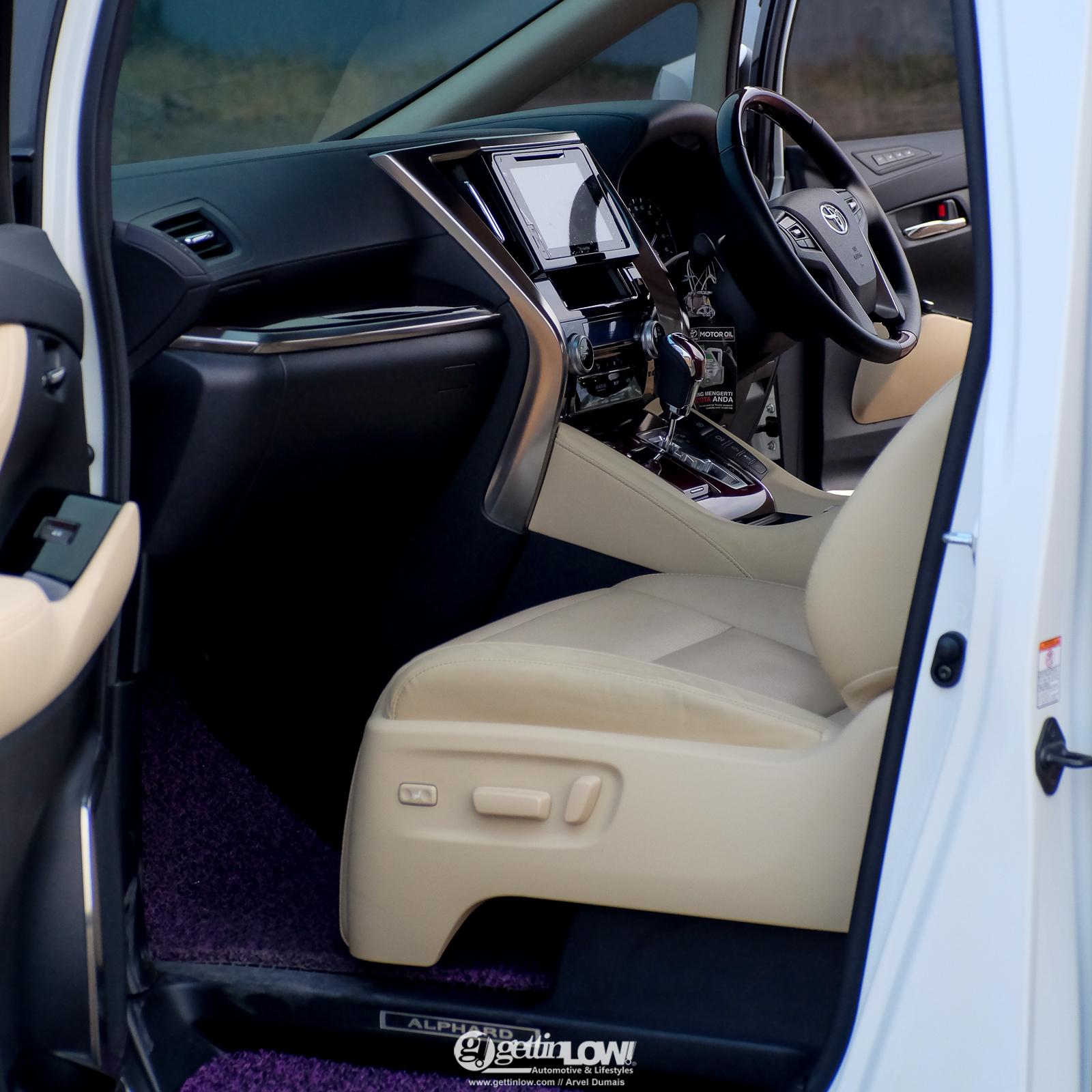 Bara's Toyota Alphard G
