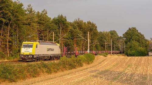 Hüthum Captrain 186 156 met buizentrein