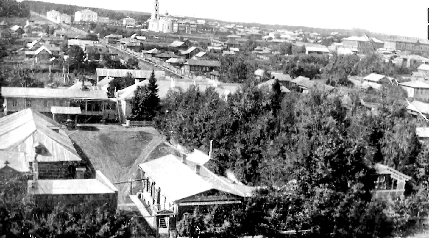 Нагорная улица с колокольни Никольской церкви