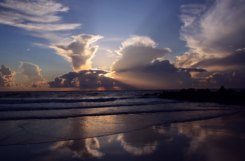 artisticsunrisephotography sunrise florida summer northernflorida 7518 unitedstates usa saintaugustineflorida villanobeach 2018 beach sea sand water atlanticocean waves ocean jetty sky cloudscape fun image23of30 series