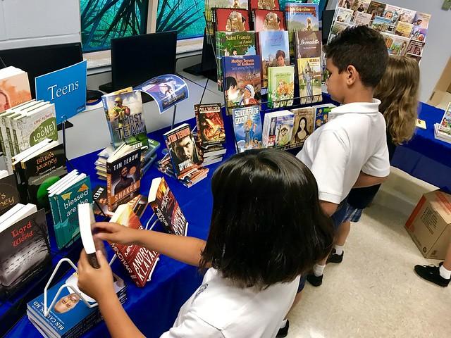 2018 Good News! Book Fair Comes to Notre Dame Catholic School