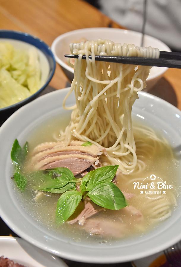 東沐食在 台中科博館 植物園 美食15