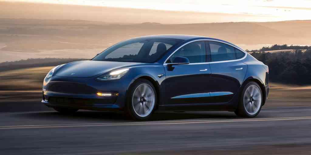 Tesla : Le Modèle 3 obtient la cote de sécurité cinq étoiles
