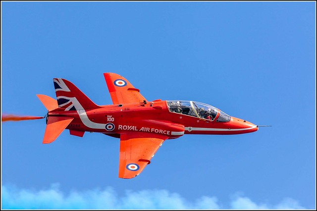 Red Arrows XX244  BAE Hawk T1