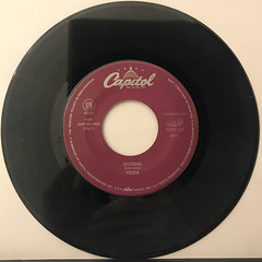 VEGA:MOMMIE(RECORD SIDE-A)